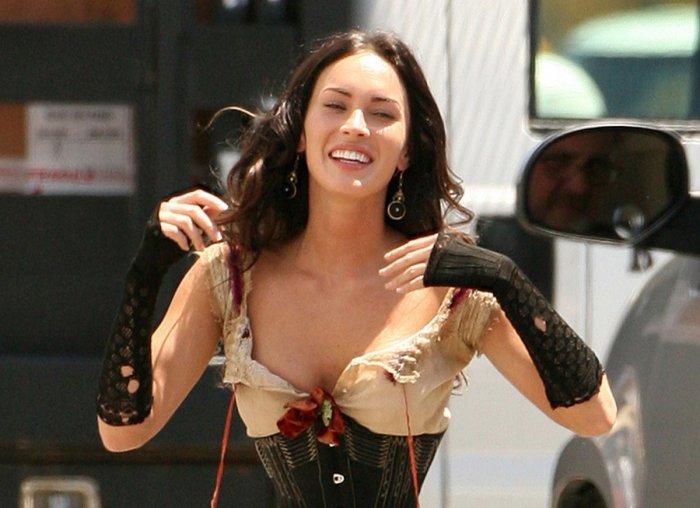 Megan Fox в корсете