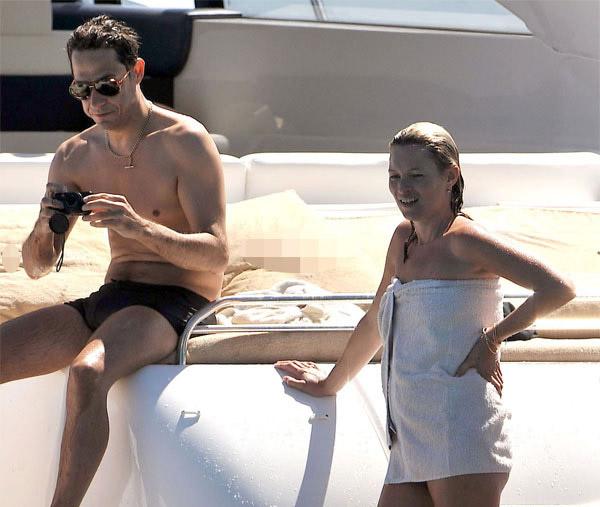 Кейт Мосс на яхте