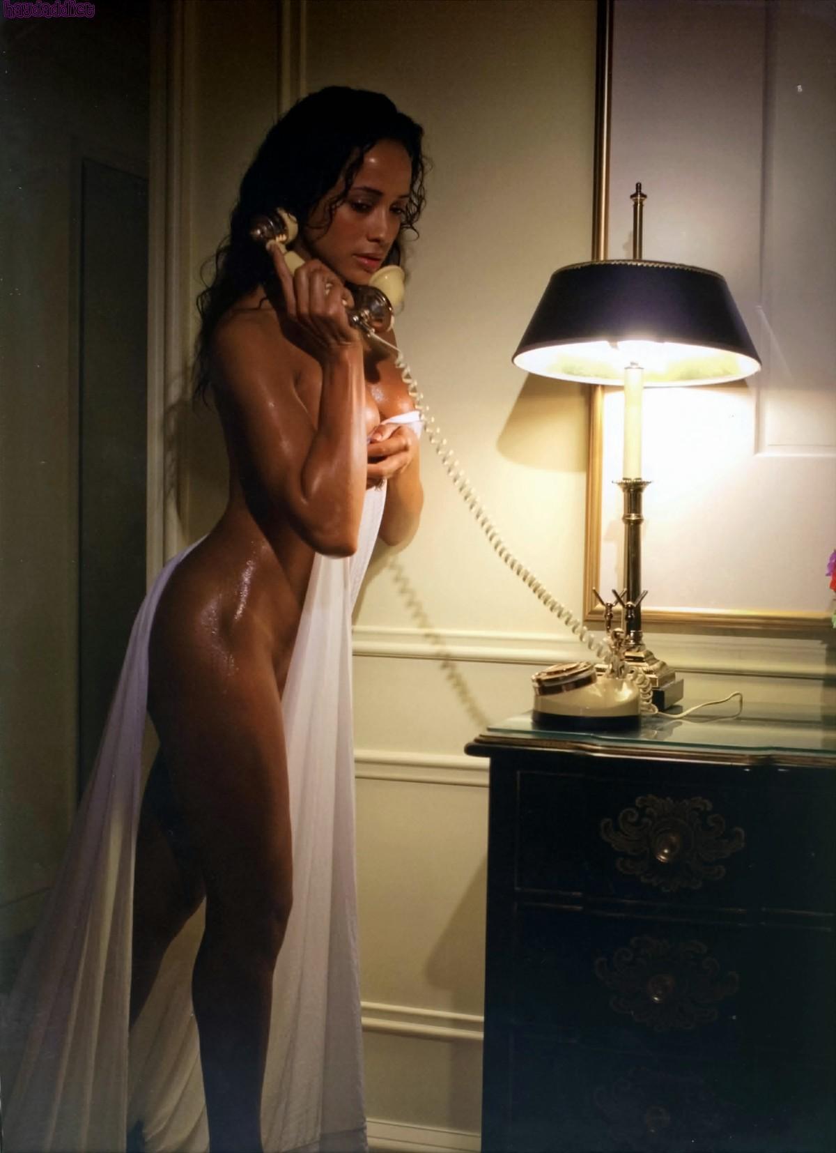 Нагая порноактриса Даня Рамирес смотреть онлайн 2 фото