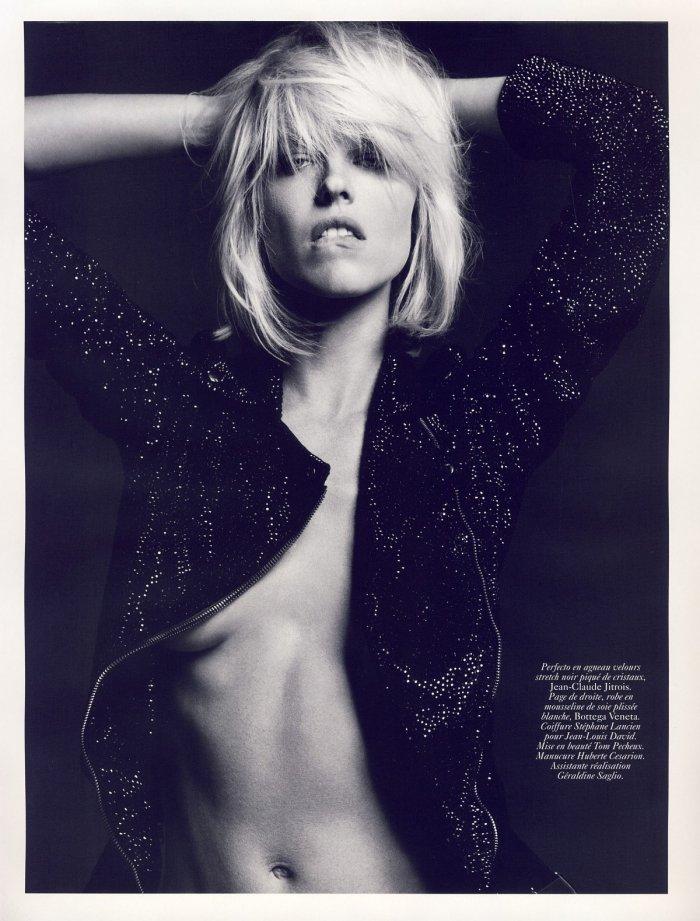 Eva Herzigova - Vogue