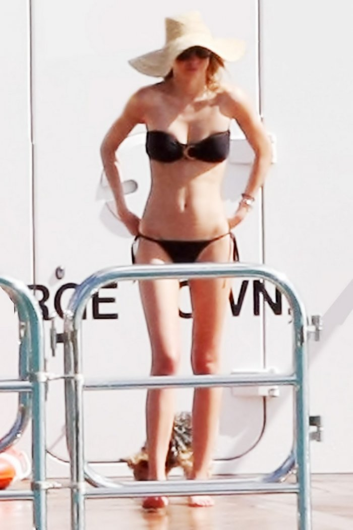 Miranda Kerr в бикини