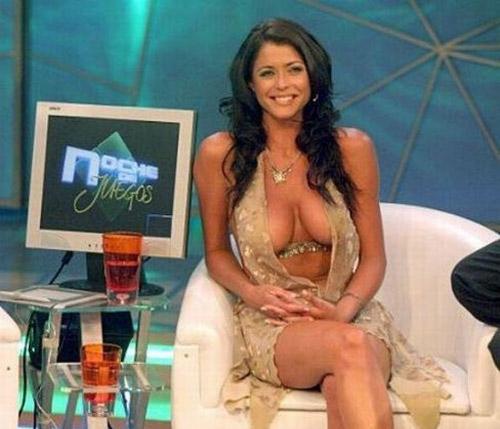 Pamela David в шикарном платье