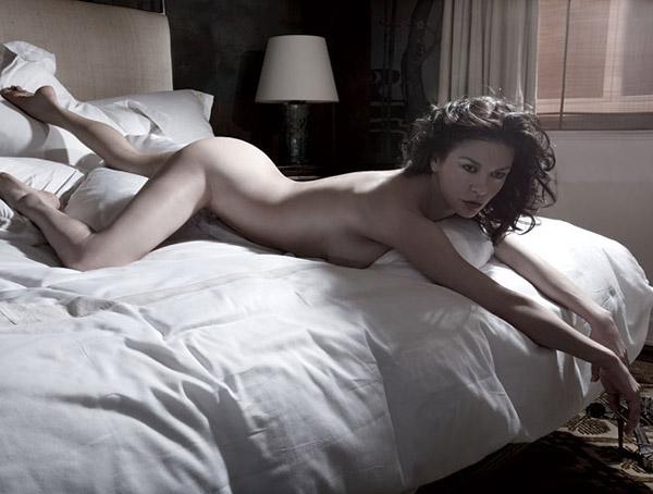 Голая Catherine Zeta Jones