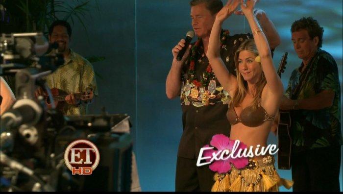 Jennifer Aniston и Nicole Kidman танцуют