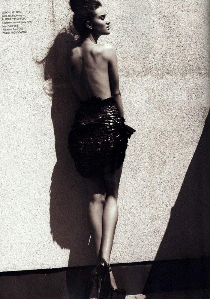 Rosie Huntington-Whiteley topless