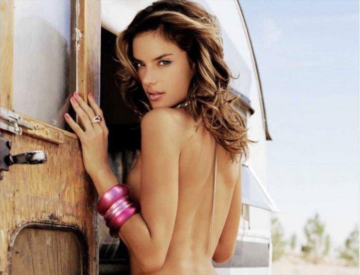 Alessandra Ambrosio в журнале DT