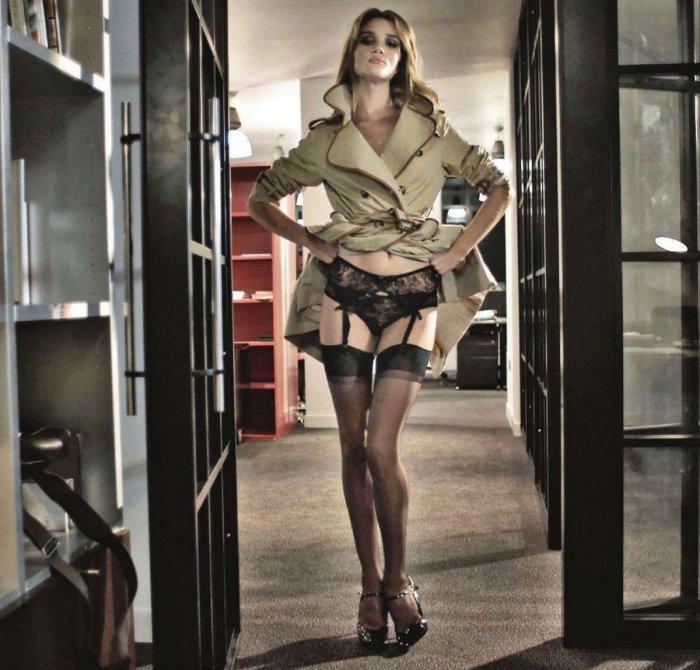 Rosie Huntington-Whiteley - Max (Italy)
