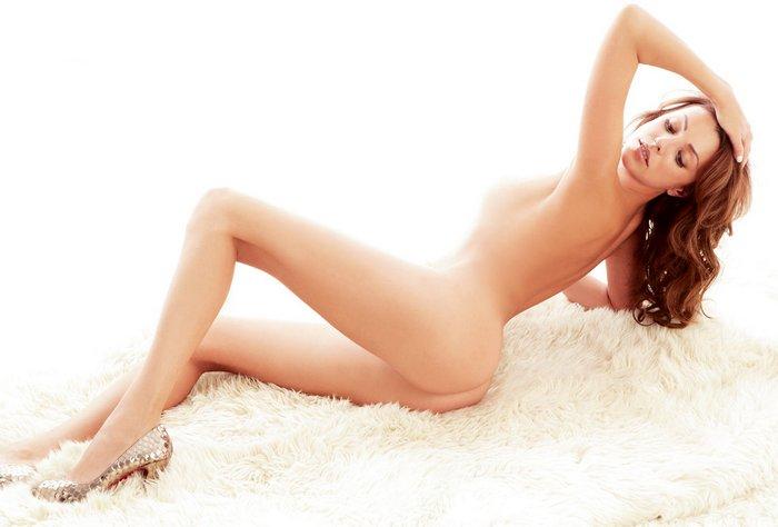 блондинки, фото голая грудь певица максим стал язычком ласкать