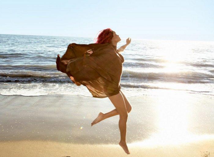 Rihanna - фотосессия на пляже