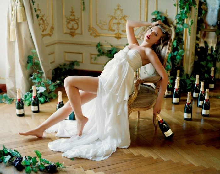Scarlett Johansson - Moet and Chandon 2011