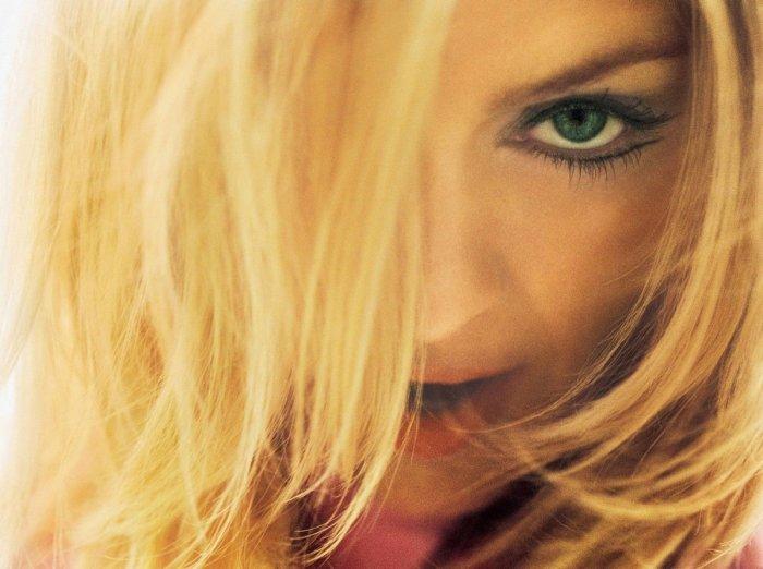 Мадонна 2000