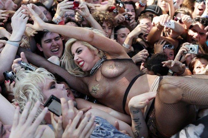 Леди Гага на концерте