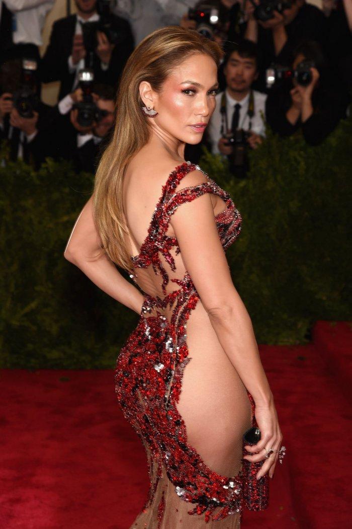Jennifer Lopez в платье